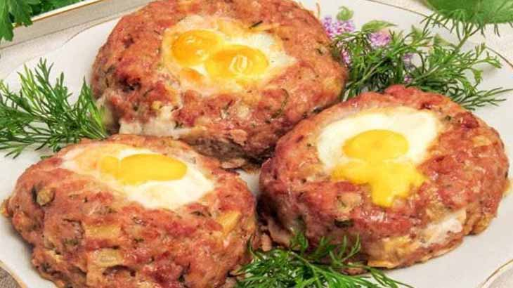 Биточки из говядины с яйцом
