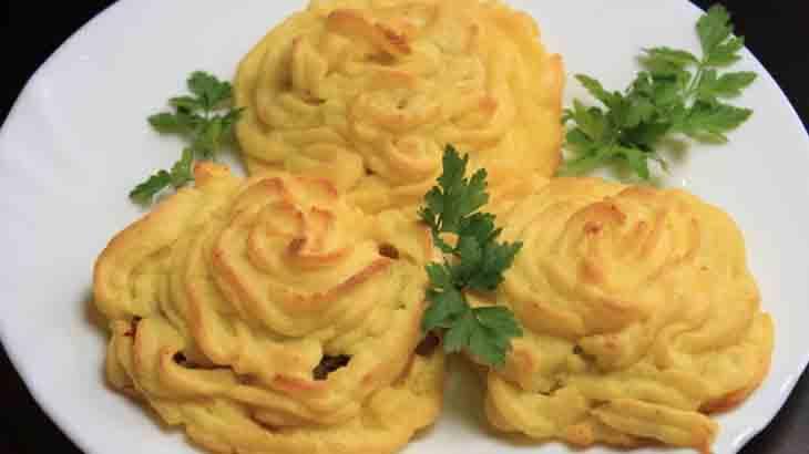 Розочки из картофеля и рыбы