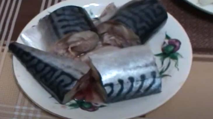 Скумбрия на тарелке