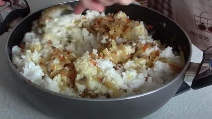 Подготовка овощного фарша с рисом