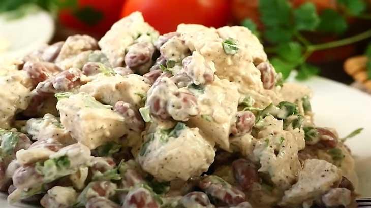 Салат из свинины и фасоли